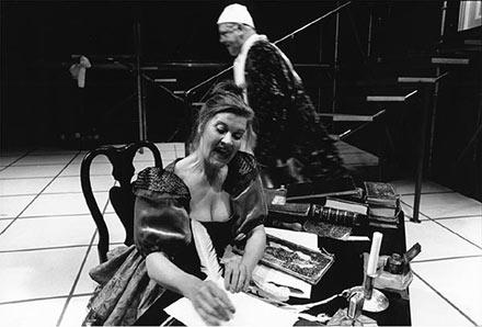 """""""Den stundesløse"""" Aalborg Teater 94. Lisbeth Gajhede, Per Pallesen"""