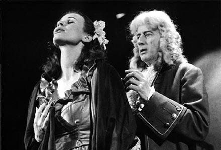 """Lorca: """"Don Perlimplims kærlighed til den skønne Belisa"""" Pia Wieth og Jørgen Weel. Afgangsforestilling Statens Teaterskole 1981."""